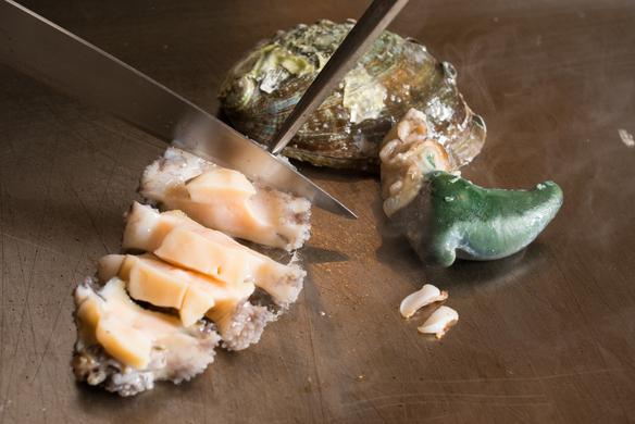 北海道羅臼産 活け蝦夷鮑 踊り焼きステーキ