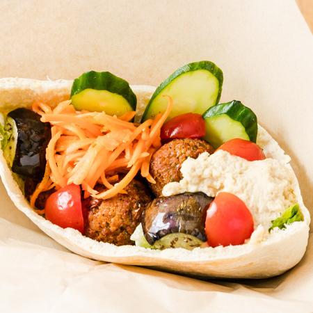 ファラフェルサンド(スパイシータイプ)Falafel sandwich spicy