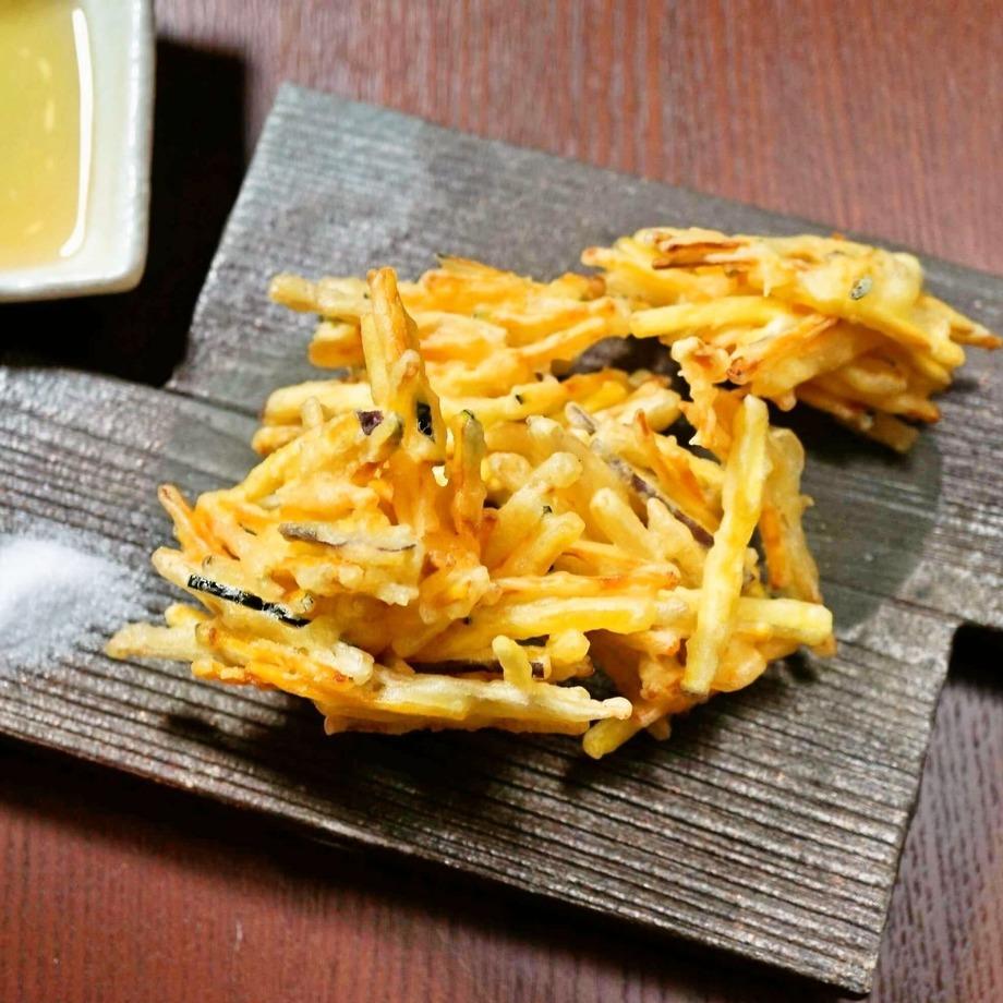 生姜とさつま芋のかき揚げ(580円)