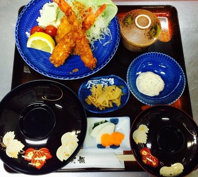 ランチ:フライ定食(1,000円)