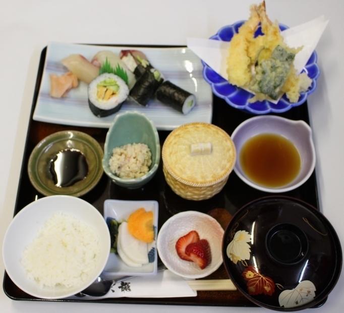 ランチ:おまかせ定食(1200円)
