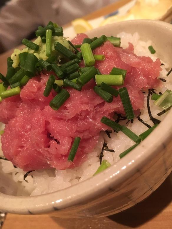 マグロ小丼 海老のお味噌汁付き