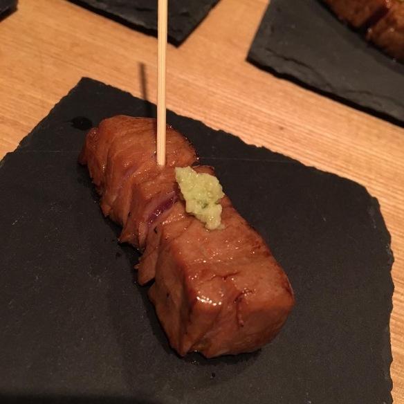 生本鮪中トロの一口炙り串
