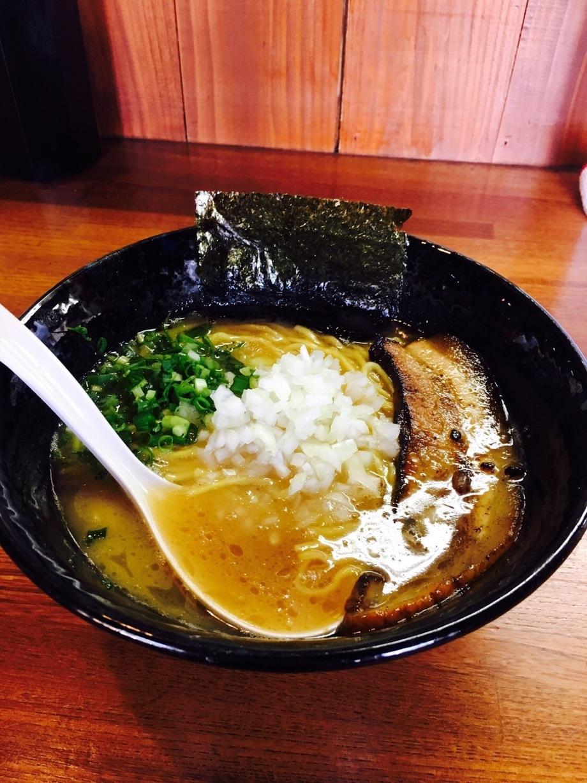 鶏白湯ラーメン(690円)