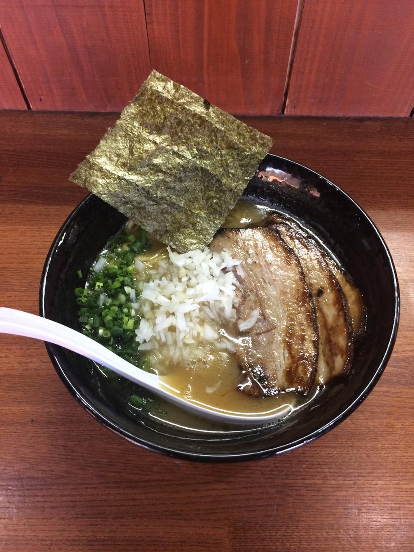チャーシュー鶏白湯ラーメン(890円)