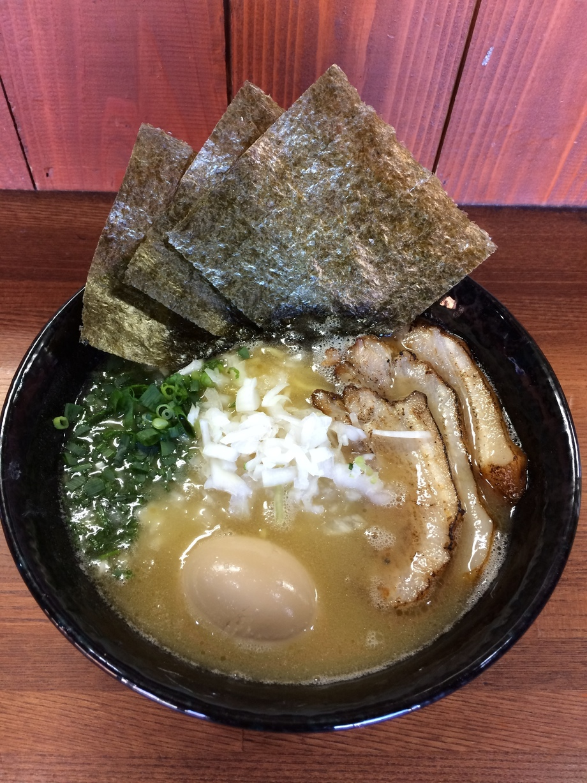 特製鶏白湯ラーメン(1080円)
