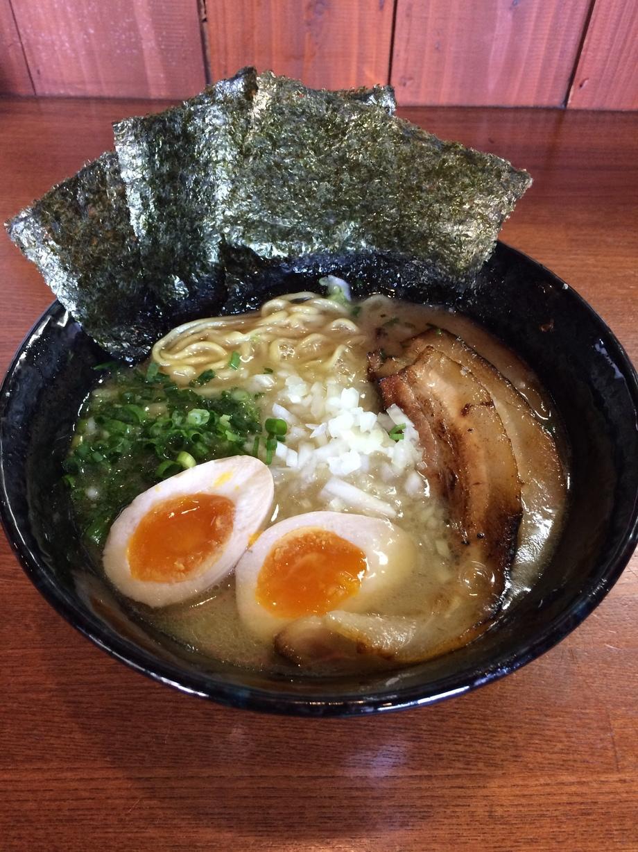 特製塩鶏白湯ラーメン(1080円)