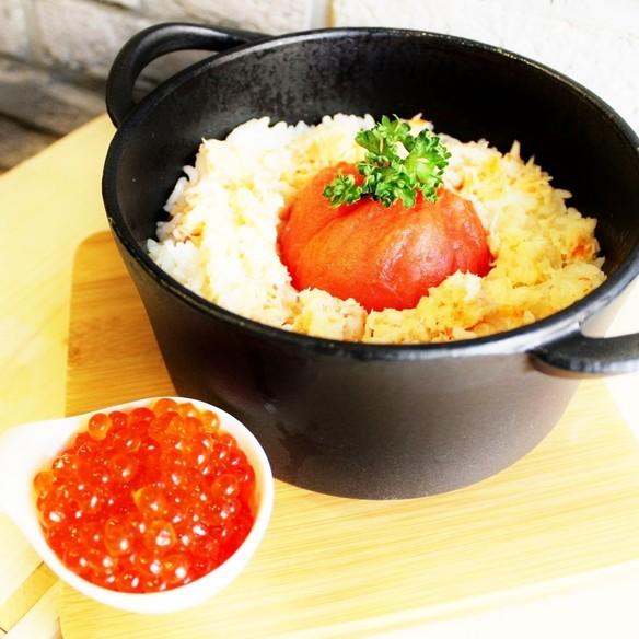 カニ&イクラ&トマトのストウブ飯