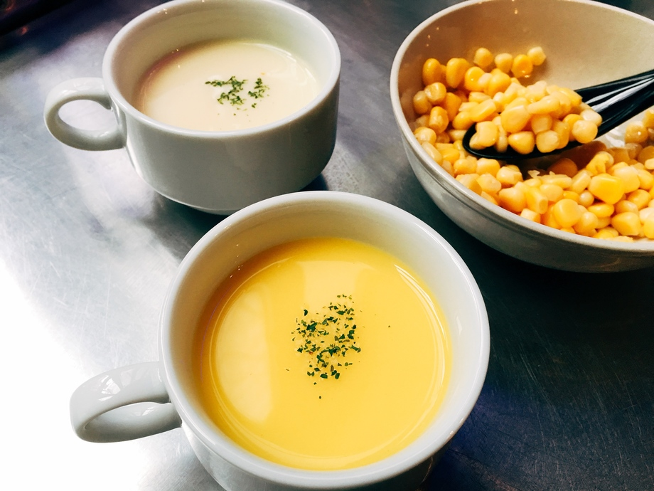 豆乳で作ったコーンスープ(冷製/温製)(380円)