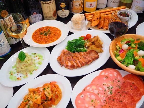 さっとつまめる小皿料理から、ガッツリいけるお肉まで、お酒に合うメニュー揃ってます♪!♪!♪