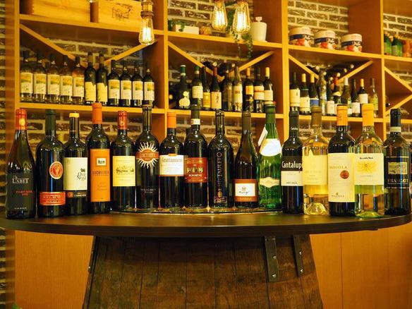 種類豊富なワインは、グラスで常時7種類☆ボトルは常時40種類以上をご用意しています♪