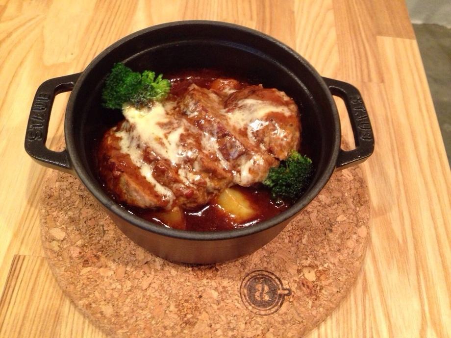 煮込みハンバーグ  withライス/パン(ランチはライスのみです)(1100)
