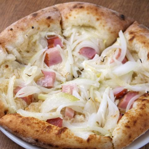 新玉ねぎとサワークリームのピッツァ