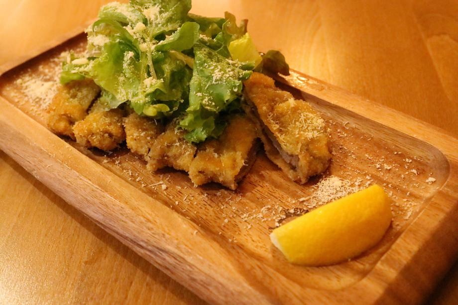 牛ヒレ肉のコトレッタ(1380円)