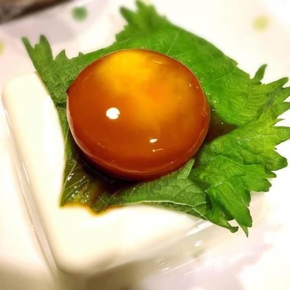 卵黄しょうゆ漬冷やっこ