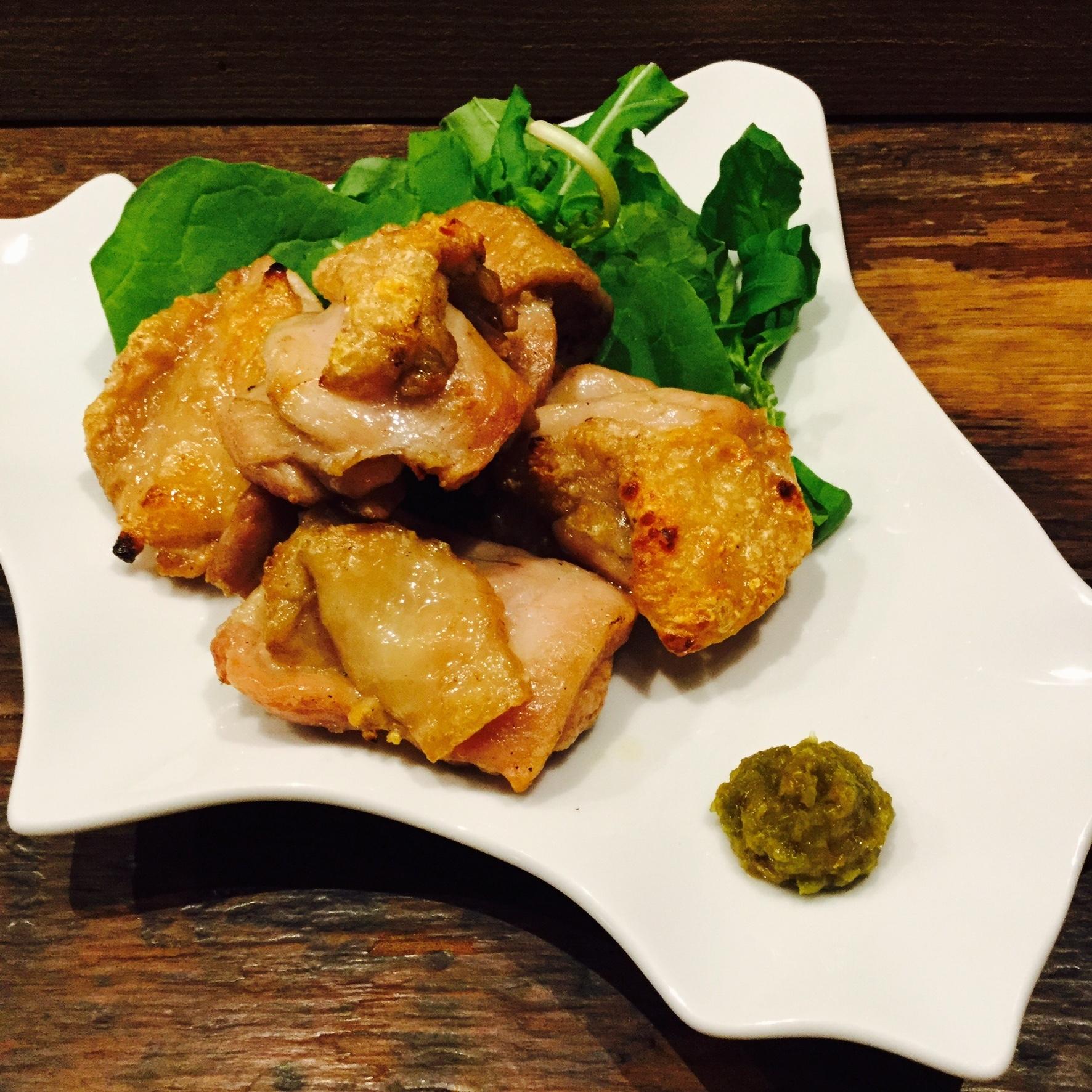北海道地鶏のヒマラヤ岩塩焼き