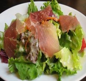 生ハムのサラダ(700円)