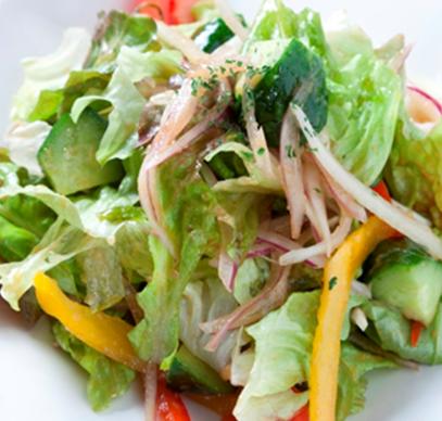 シンプルなグリーンサラダ(500円)