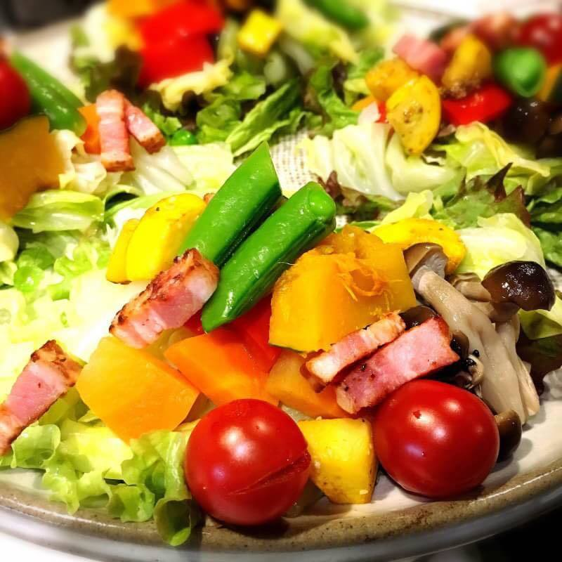 1日分の野菜が多分取れるサラダ(500)
