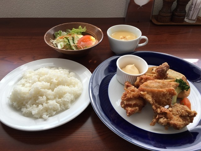若鶏の唐揚げ(850円)