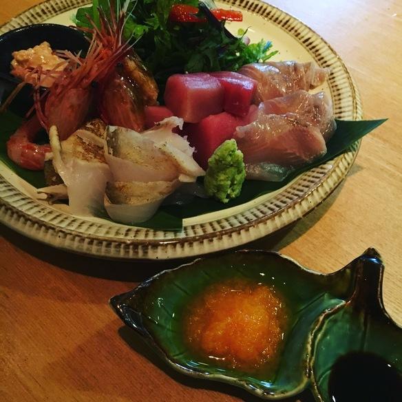 函館直送のお魚にこだわりました、お造り盛り合わせ