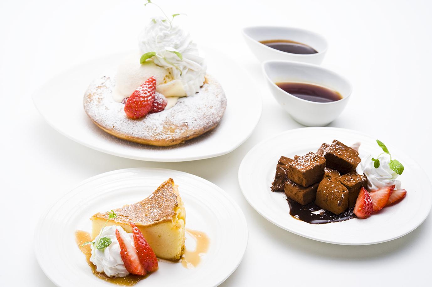 ふわふわパンケーキ Thick Fluffy Pancake / ベイクドレモンケーキ Baked Lemon Cheese Cake / 生チョコレート Ganache