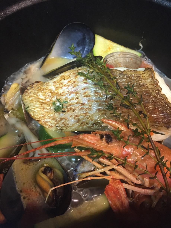 鮮魚のアクアパッツア(2000円)