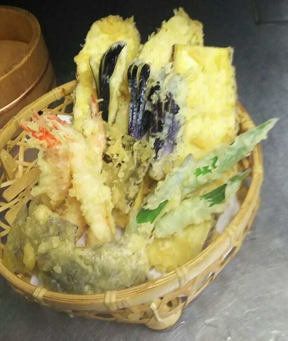 海老と季節のお野菜の天ぷら盛合せ 1人前