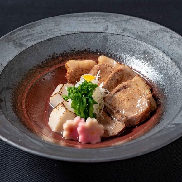 【オリーブ夢豚】 炙り塩角煮