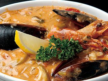 『ムケッカ』魚介のココナッツ煮込み ブラジルバイーヤ地方の名物料理。 (10月〜4月限定)