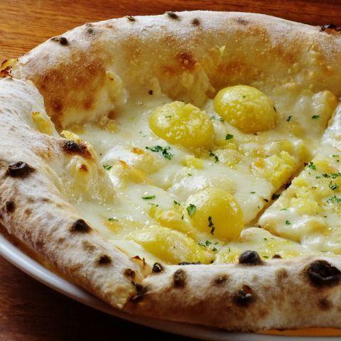銀杏とラクレットチーズのピッツァ