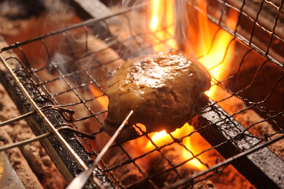 カニがお通しで食べられる!? 札幌のイタリアン酒場『炭リッチ本店』でリッチなお通し始まりました。