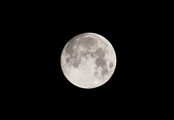 Retina moon0715 1