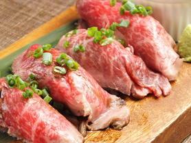 大人気の肉寿司