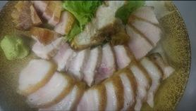 肉は、塊で、焼くとおいしい‼︎ 安心してくださいね。食べやすいようカットしてお持ちします。