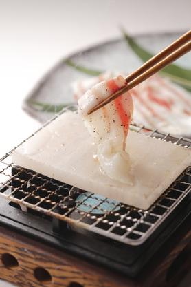 イベリコ豚の岩塩プレート焼き 680円(税別)