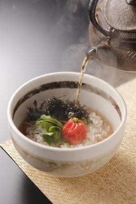 南高梅と岩海苔のだし茶漬け 580円(税別)