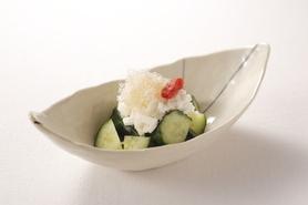 たたき胡瓜と丸芋のさっぱり梅和え 380円(税別)