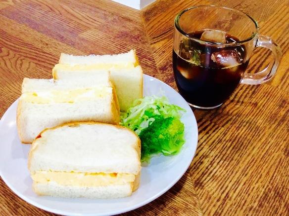 ふわふわのパンに刺激的なからしマヨネーズ、甘い厚焼き玉子♡