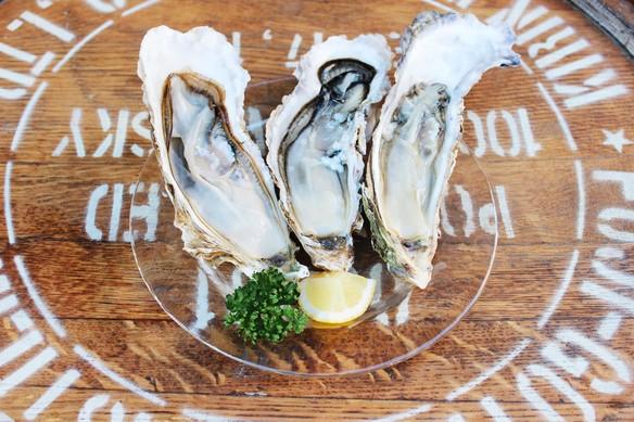 「厚岸漁師直送の生牡蠣」が3日前までのご予約で10ヶ¥1990!