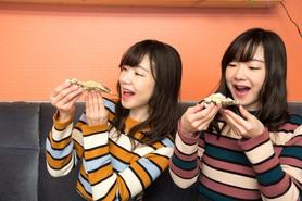 看板娘がお出迎え♪ 新宿 西新宿ワイン 飲み放題 女子会 オイスター 牡蠣 食べ放題