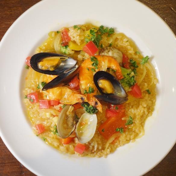 4種の魚介とたっぷり野菜のパエリア風リゾット