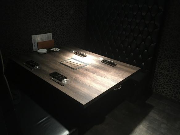 記念日や接待でのご利用の多い、一番広いテーブル型の個室です。