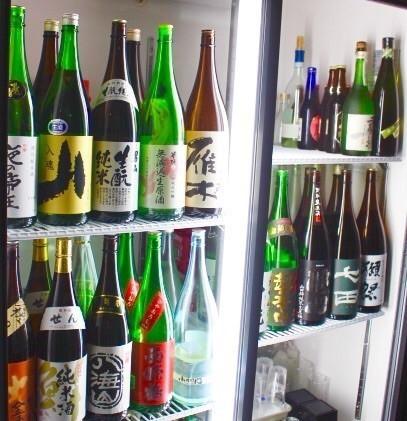 店主こだわりの厳選日本酒。是非!!