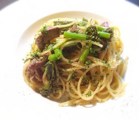 ある日のパスタランチ〜華味鶏の肝と菜花のスパゲッティーニ〜