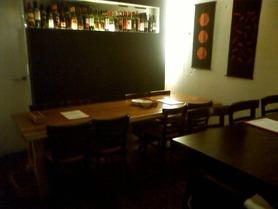 店舗奥テーブル席(8名)