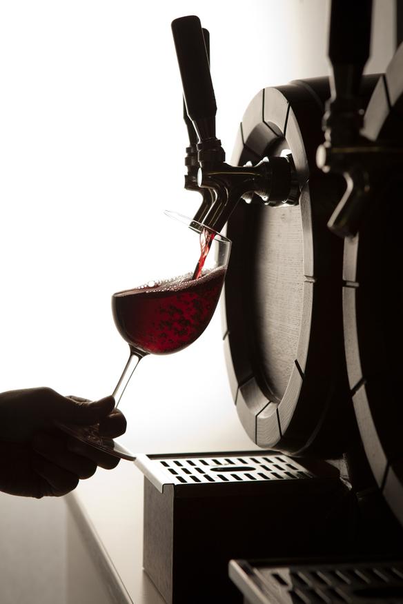 【現地樽詰めワイン】 樽生ドラフトワイン「赤」 カベルネ・ソーヴィニヨン