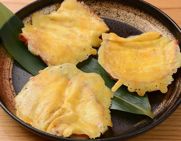 神戸牛の旨み入りカリカリチーズ