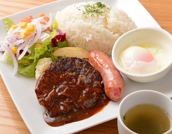 お昼の定食<ハンバーグプレート>