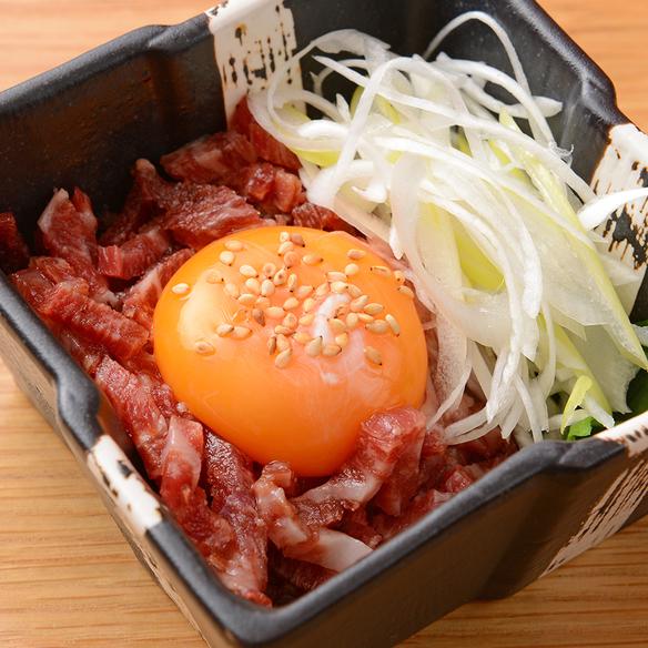 神戸牛モモ肉ユッケ